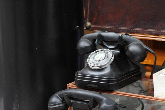 昔の職場を思い出させる電話
