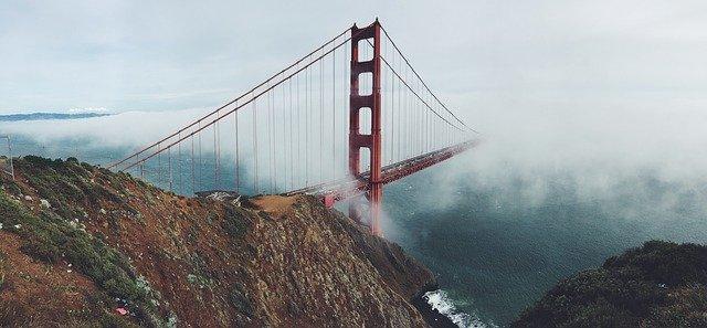 アメリカ生活 何もない日に感謝:霧とおにぎりとピラティス